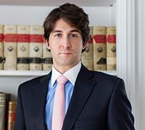 Modesto Abad es abogado del área procesal y penal en Madrid de MAIO, además de abogado de marítimo