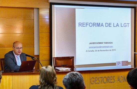 Javier Gomez en el Colegio de Gestores